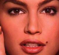 Cindy Crawford.jpg face
